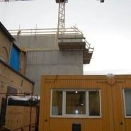 01 Der gelbe Baucontainer ist unser Backstage