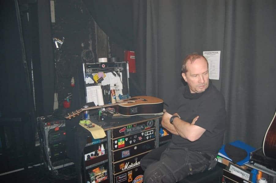 4 Micha in seiner Werkstatt
