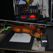 8 Geige in der Wartung
