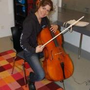 Das Cello wird warm gespielt