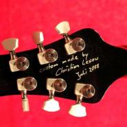 die-signatur-vom-gitarrenbaumeister-christian-lexow
